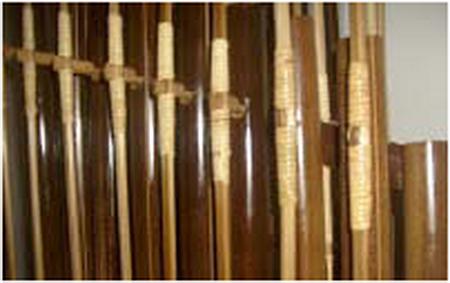 Bambu Hitam sangat baik untuk pembuatan alat musik seperti angklung